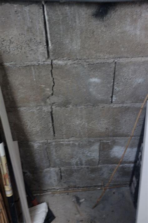 comment reparer une grosse fissure dans un mur exterieur