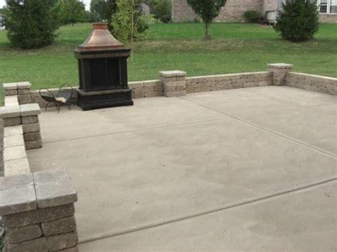 concrete slab and brick wall patio lerve