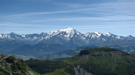 photos du mont blanc file massif du mont blanc jpg wikimedia commons
