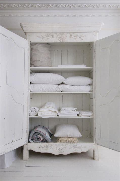 Linen Cupboard Storage by Best 25 Linen Cupboard Ideas On Bathroom