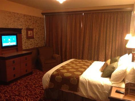 chambre golden forest hôtel disney disney 39 s sequoia lodge page 18