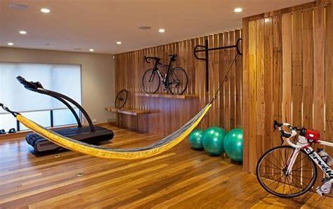 Le support à vélo défie la décoration d?intérieur