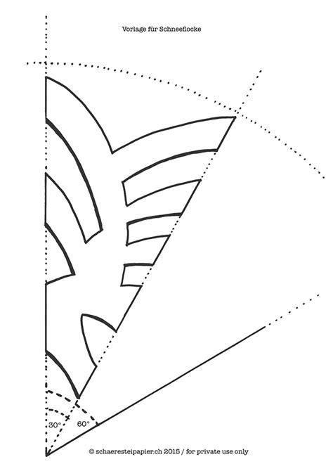 schaeresteipapier grosse schneeflocken aus geschenkpapier