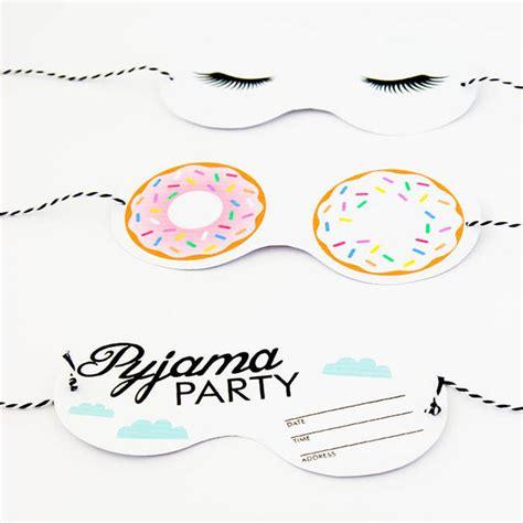 froehliche pyjama party einladungen zum ausdrucken womanat