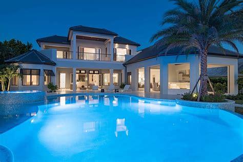 luxury  story house plan