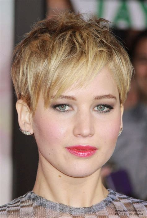 Jennifer Lawrence Short Pixiecut With Angled Bangs