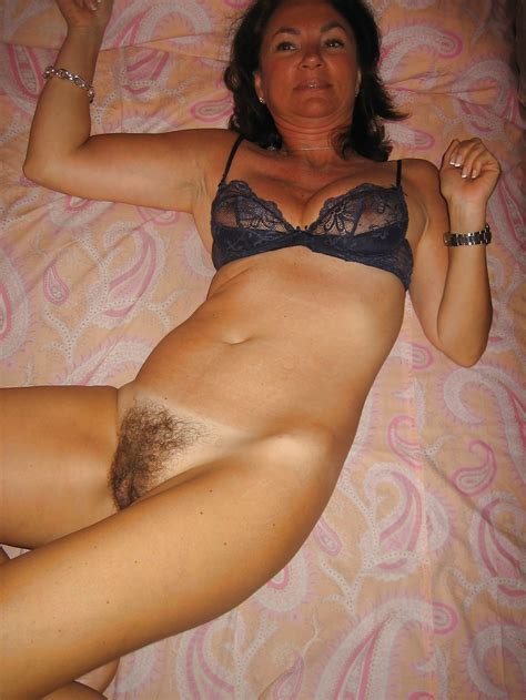 Bottomless And Hairy Unnamed Italian Girl 21 Pics