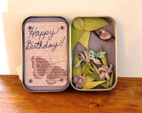 wonderful crafts      altoid tin