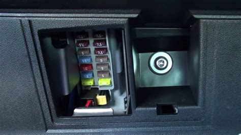 Ford Ka Wiring Diagram Boot Release by Fiat 500 Interior Fuse Box Location