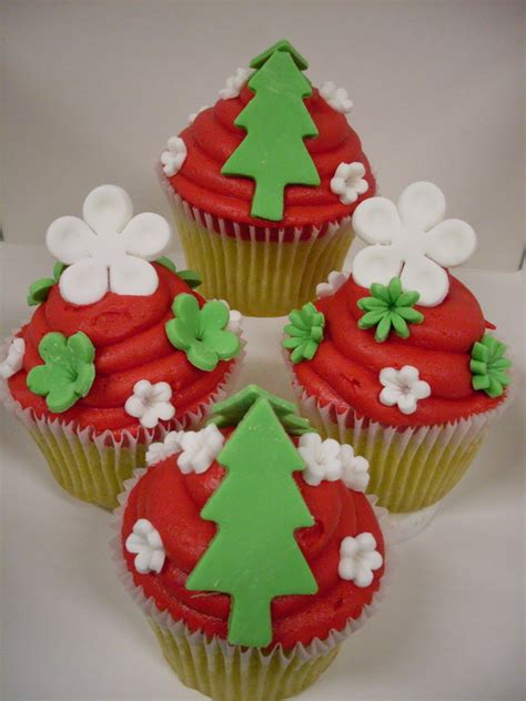 christmas cupcake ideas 45 easy and creative christmas cupcake decorating ideas family holiday net guide to family