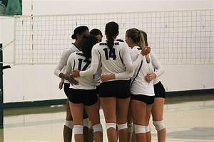 Volleyball fails to hold on to two-set lead, falls to ...