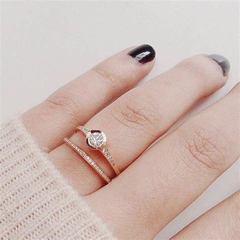 mociun instagram users gold jewellery and engagement