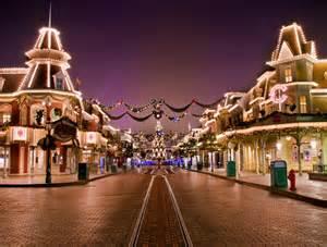 Disneyland Main Street Christmas Lights