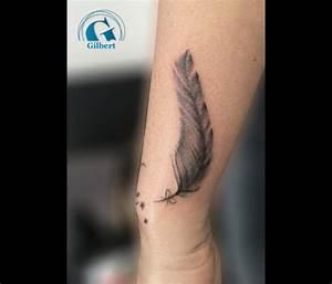 Tatouage Plume Poignet : tatouage bracelet poignet femme plume ~ Melissatoandfro.com Idées de Décoration