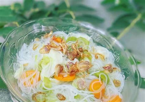 Sayur sop merupakan salah satu masakan yang paling mudah dan praktis dibuat. Resep: Sop Bihun & Sayur Gurih - KataUcap