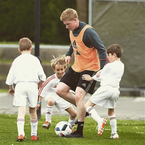 De Bruyne Trains in Unreleased Blackout Boots - Footy ...