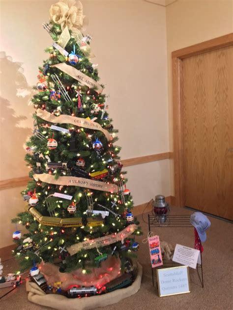 christmas tree decorating contest legacy   plains