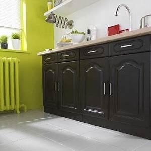 Cuisine Repeinte En Blanc : peinture pour meuble dans cuisine repeinte noir et vert anis ~ Melissatoandfro.com Idées de Décoration