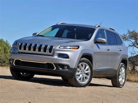 types of jeeps 2015 2015 jeep cherokee tackles mountain roads and unpaved