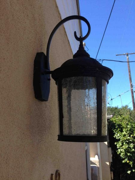 outdoor wall light fixture issue doityourself com