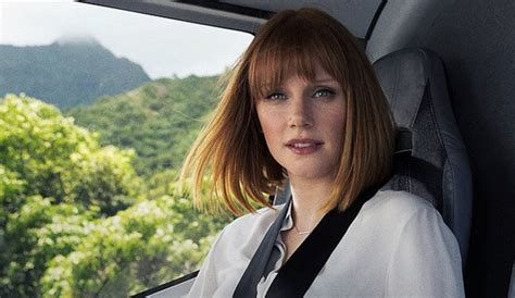 actress in jurassic world jurassic world cast a look at the characters