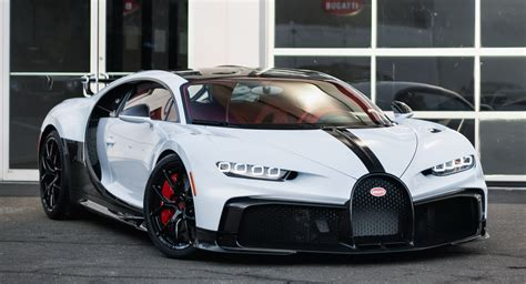 The bugatti chiron is meant to be the strongest, fastest, most luxurious and exclusive serial supercar in the world. Quartz White Bugatti Chiron Pur Sport With Grey Carbon Accents Touches Down In U.S. | Carscoops