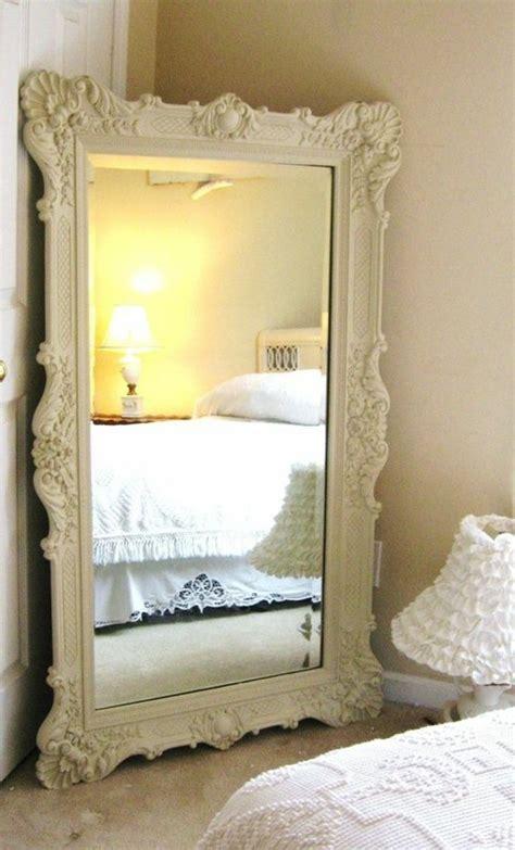 miroir dans chambre a coucher comment d 233 corer avec le grand miroir ancien id 233 es en photos