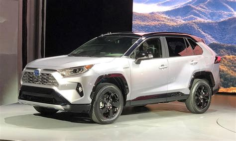Toyota's 2019 Rav4 Gets More Trims, Power