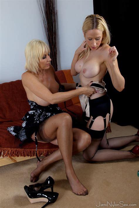 Sexy Milf Jan Burton Hot Stocking Lesbian Sex Pichunter