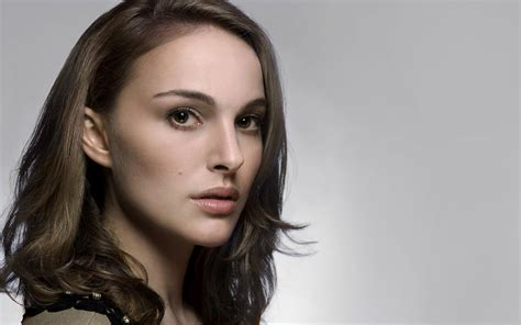 Natalie Portman, Face, Brunette, Actress, Closeup, Simple