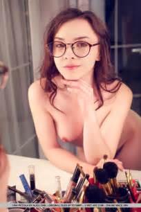 Naked White Girl Wearing Glasses Hot Girls Db