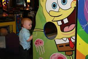 Spongebob Chuck E. Cheese Game