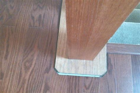 (Faus laminate flooring) moulding to cover expansion gap
