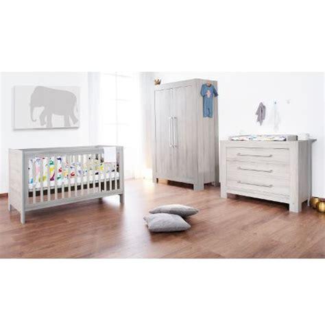 chambre bebe en pin lit bébé évolutif et commode à langer somnio achat