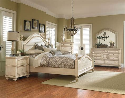 standard furniture chateau poster bedroom set   bisque
