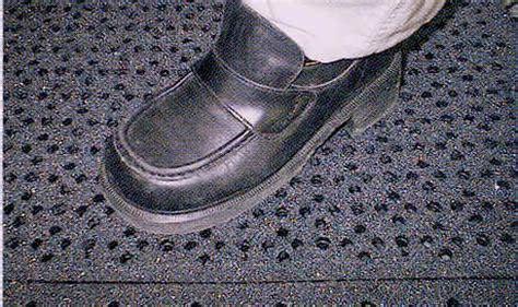 dundee great grip interlocking traction enhanced matting
