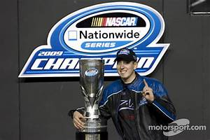 Victory lane: Kyle Busch celebrates win and 2009 ...