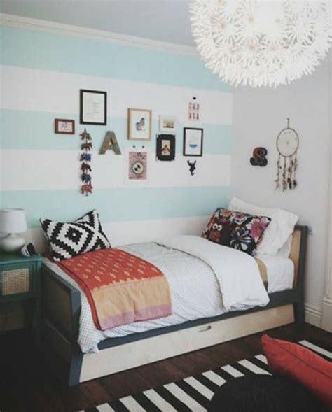 peinture chambre bleu turquoise 24 idées pour la décoration chambre ado