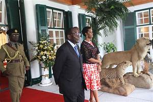 Zimbabwean President Robert Mugabe returns home | World ...