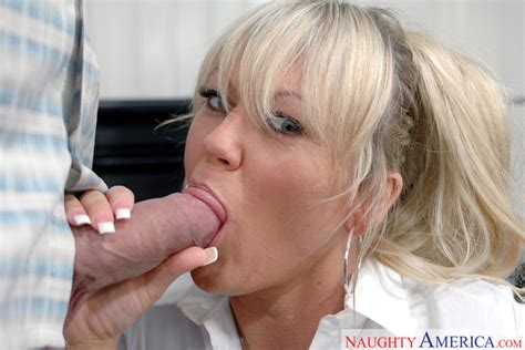 Chennin Blanc And Cheyne Collins In Diary Of A Milf Naughty America Hd Porn Videos