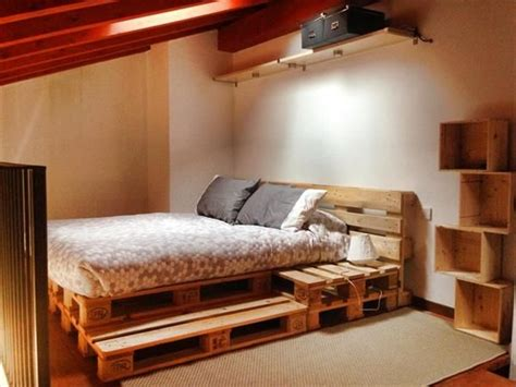 ideen fuer palettenbett im schlafzimmer zum nachmachen