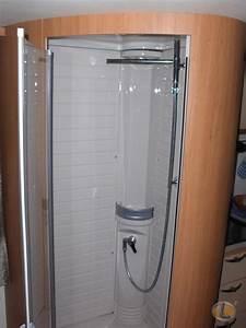 Installer Une Douche : installer une douche dans une caravane r alisation d 39 ~ Melissatoandfro.com Idées de Décoration