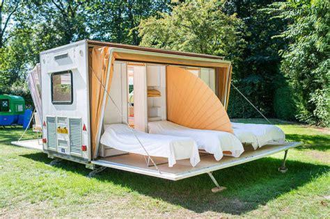 une caravane qui se deploie pour tripler son espace joli joli design