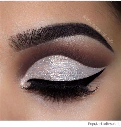 eyeliner blink blink seductive eye makeup style guru fashion glitz
