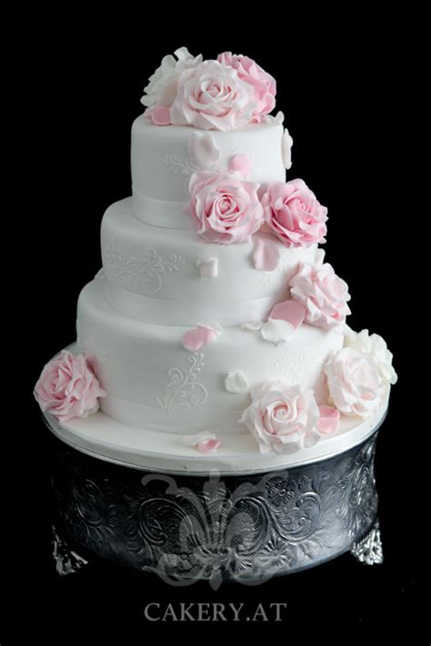 hochzeitstorte pink roses rita  cakery torten der