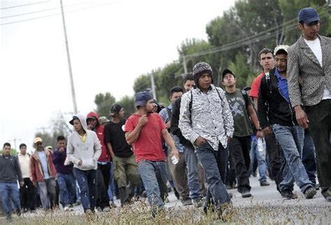 pobreza  bajos salarios incitan la migracion