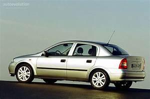 Opel Astra 1999 : opel astra sedan specs photos 1998 1999 2000 2001 2002 2003 2004 autoevolution ~ Medecine-chirurgie-esthetiques.com Avis de Voitures