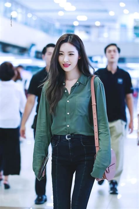 44 best Seon mi images on Pinterest   Daughters Face claims and Girl crushes