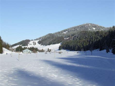 chalet de la serra lamoura combe du lac lamoura photo de jura en hiver les tableaux de fran 231 ois