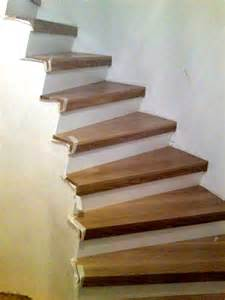 treppen lackieren holz treppenstufen schleifen und lackieren bvrao